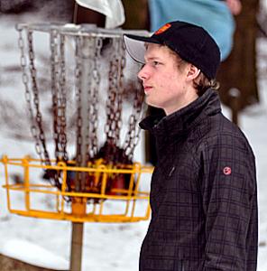 Deutschland Ausnahme-Discgolfer Simon Lizotte beim Schneeturnier in Dassel (2013).